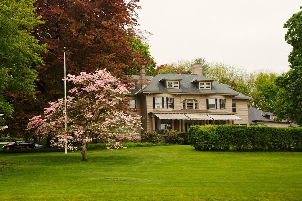 Worcester Massachusetts Neighborhood Real Estate Houses Paul Nguyen CC BY SA 4.0