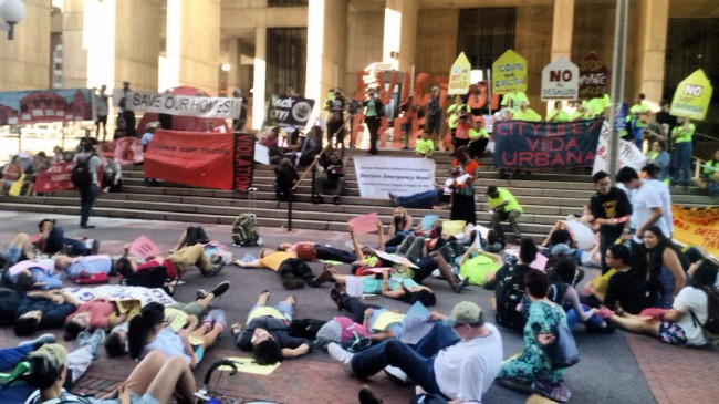 "Image of Boston City Hall ""Die In"" Sep 22, 2016 likely due to Eli Gerzon, Twitter, http://34.gs/ext_tw_eligerzondiein. Editorial use."