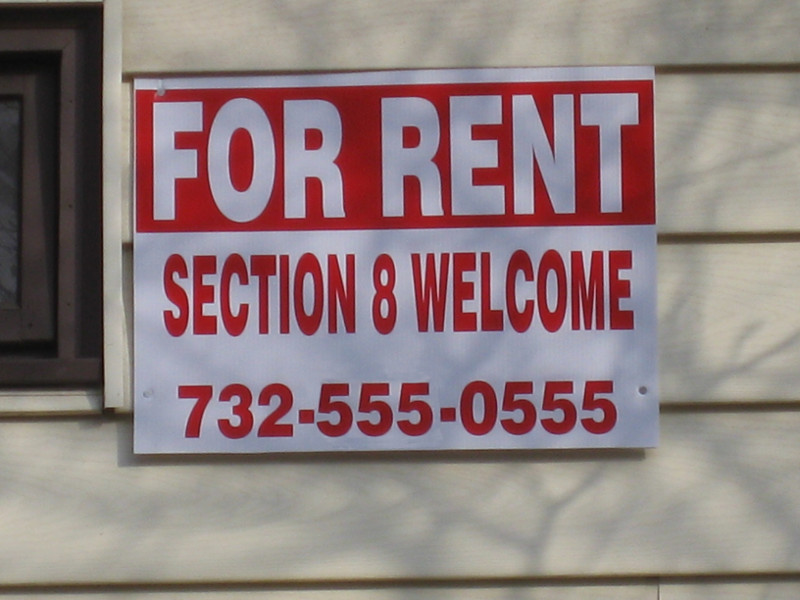 sign saying for rent section 8 welcome