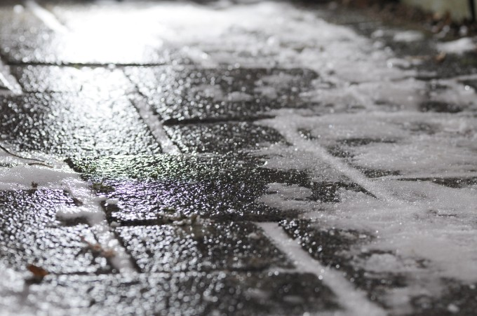 Image by Living Shadow - Wikimedia - Black ice on footway